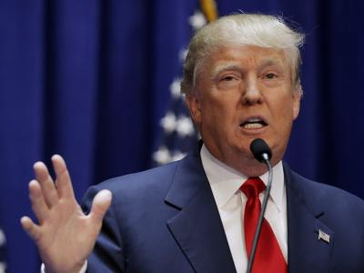 Trump makes biggest ad buy to date, hammers Clinton on economy